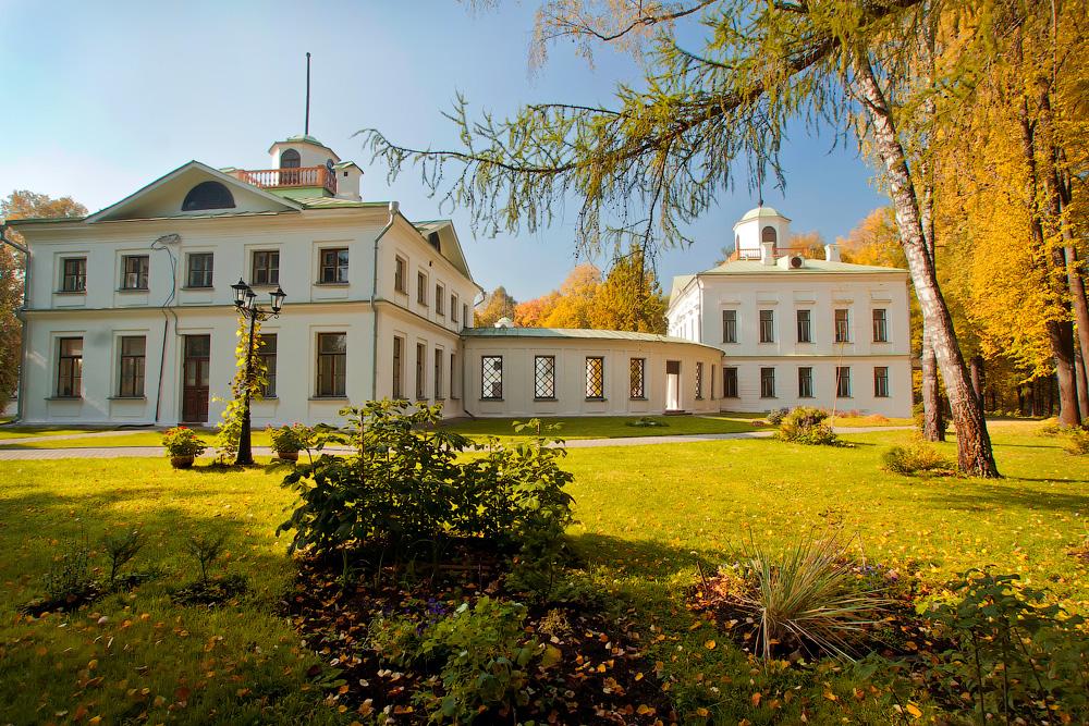 Усадьба Середниково: золотая осень в Лермонтовских местах