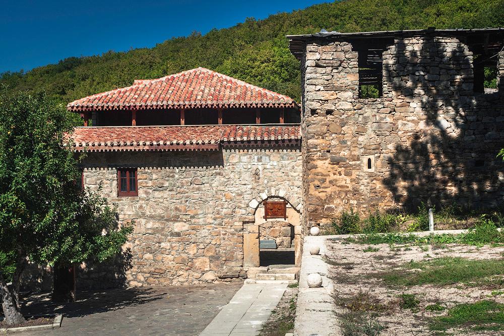 Старый Крым: Мечеть хана Узбека и Армянский монастырь Сурб Хач